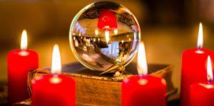 Les meilleurs techniques des arts divinatoires, boule de cristal, les runes, la géomancie, la cafédomancie, cartomancie, télépathie, ligne de la main, le pendule etc...